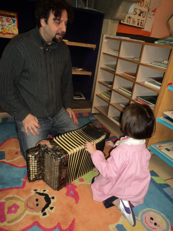 Il giocare e il suonare nell'ambiente preparato